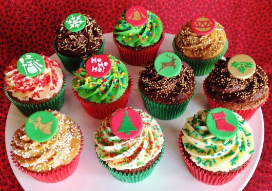 Cupcake de Natal mini apliques de pasta americana