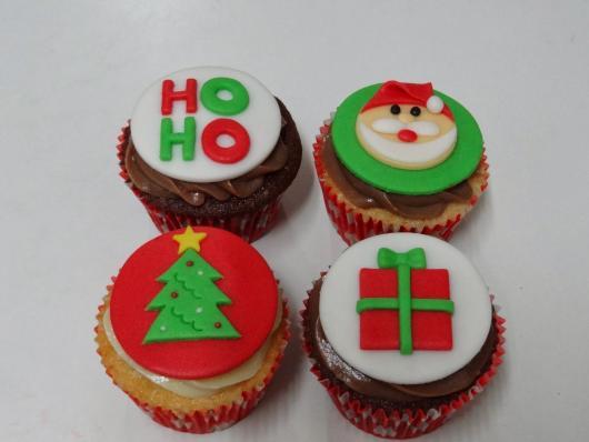 Cupcake de Natal detalhe feito de pasta de leite em pó