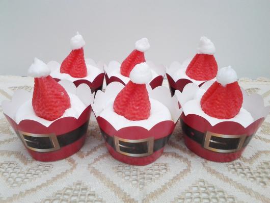 Cupcake de Natal com chantilly branco e morango