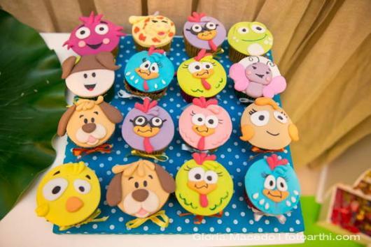cupcake galinha pintadinha 3D de todos os personagens