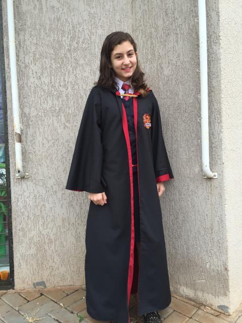 Fantasia Harry Potter feminina capa preta e vermelha