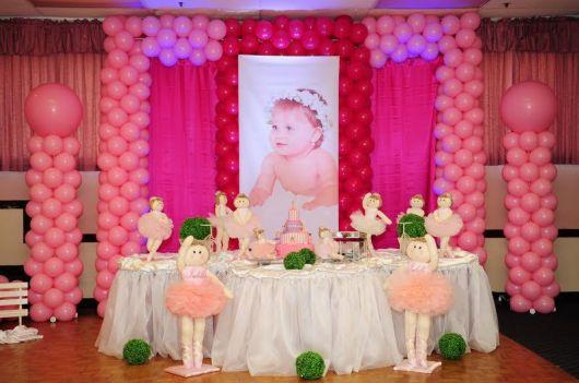 Festa Bailarina baby com painél de foto e bexigas