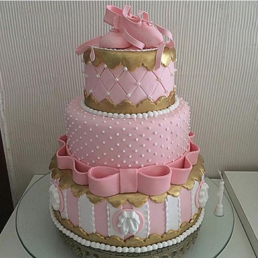 Festa Bailarina bolo de pasta americana rosa e dourado