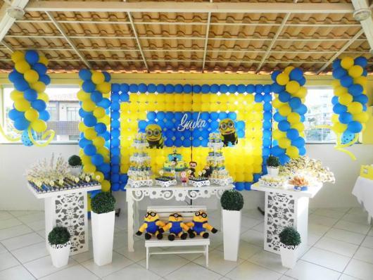 Festa dos Minions provençal decoração em área aberta