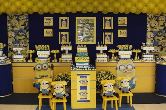 Festa dos Minions de luxo com provençal amarelo