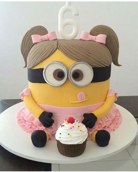 Festa dos Minions bolo rosa