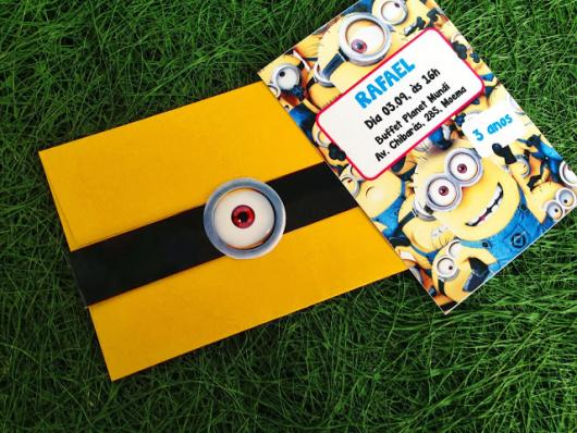 Festa dos Minions convite cartão com envelope personalizado