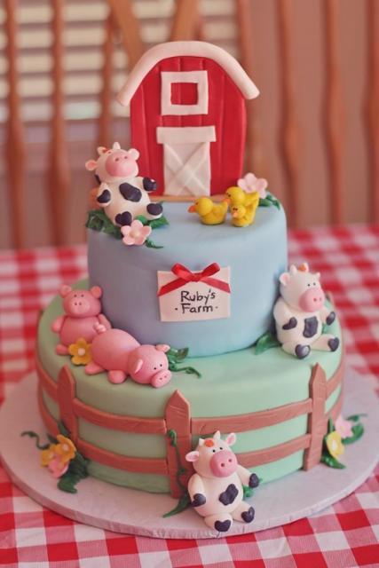Festa Fazendinha modelo de bolo fake