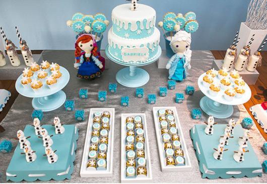 Festa Frozen baby mesa decorada