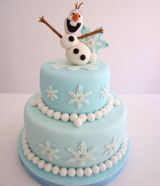 Festa Frozen bolo de 2 andares com topo do personagem Olaf