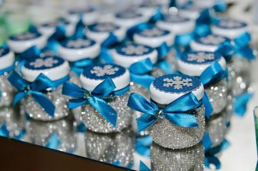 Festa Frozen lembrancinha feita com vidro de papinha