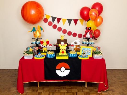 festa Pokémon colorida