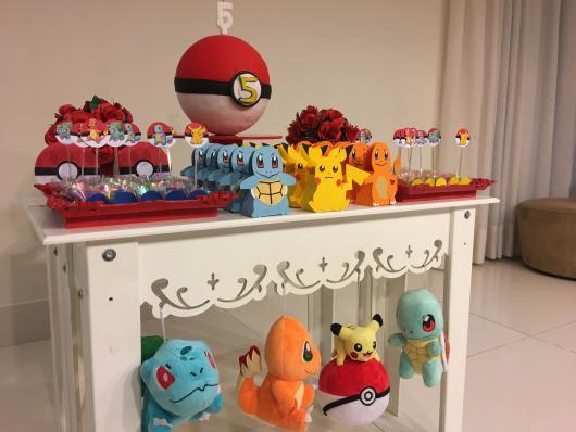 festa Pokémon móveis provençais brancos
