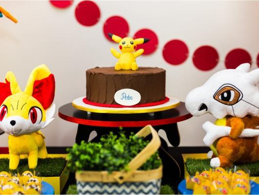 festa Pokémon bolo kitkat