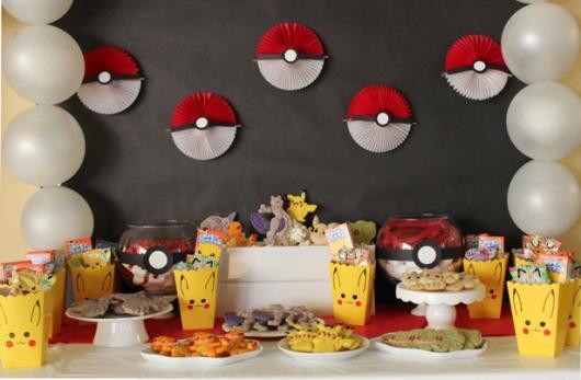 festa Pokémon decoração simples