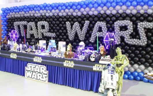 Festa Star Wars infantil com bexigas