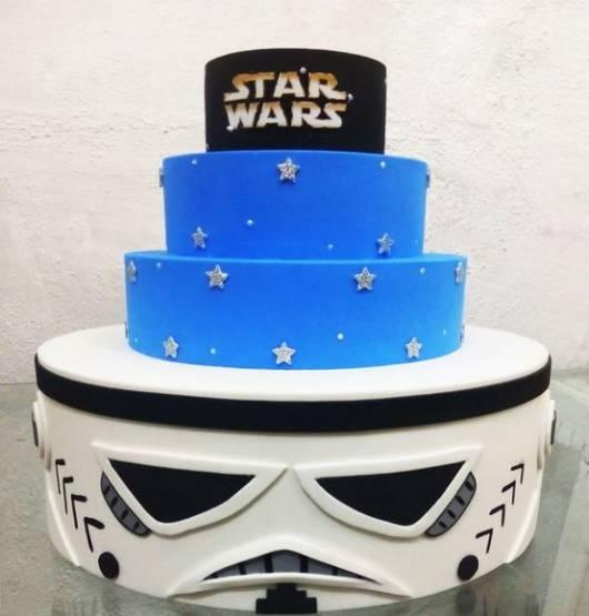 Festa Star Wars bolo fake de EVA