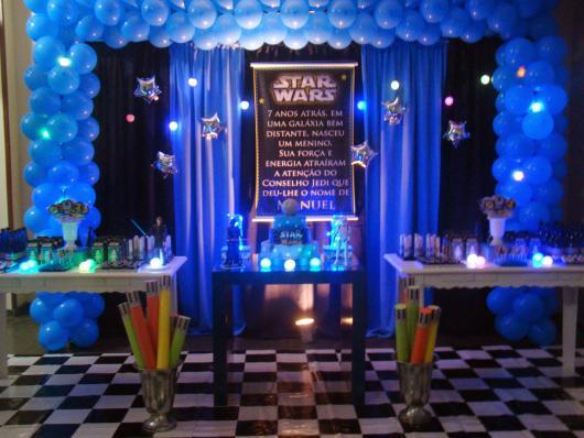 Festa Star Wars decoração azul e preta