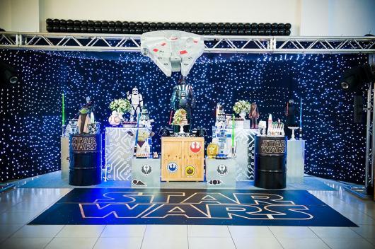 Festa Star Wars decoração com painél de LED