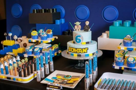 Festa Star Wars detalhes de lego preto e azul