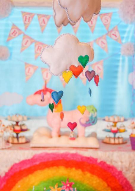 Festa Unicórnio nuvem colorida