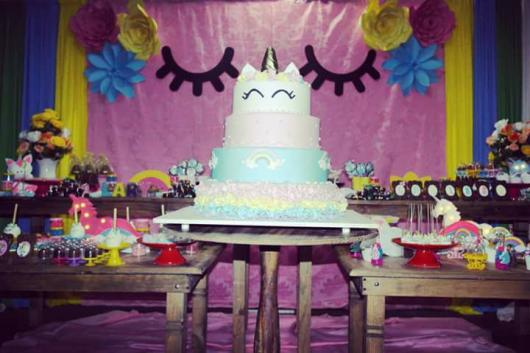 Festa Unicórnio rústica com painél lilás