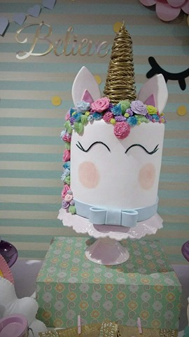 Festa Unicórnio bolo decorado com pasra americana