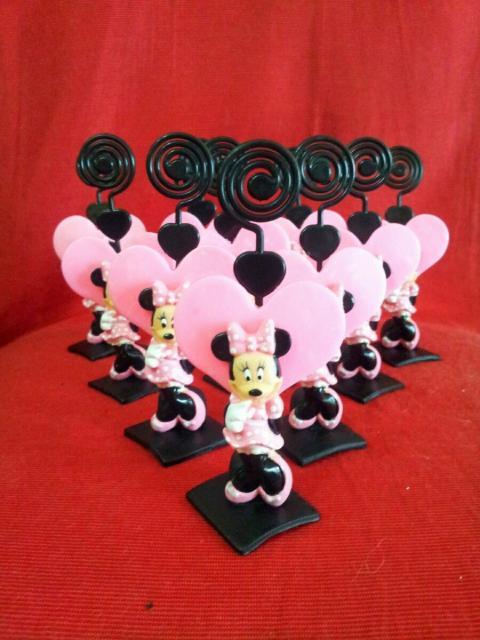Lembrancinhas de biscuit com minie rosa e porta foto