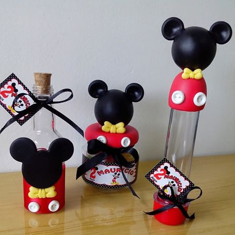 Lembrancinha de biscuit do Mickey no tubete