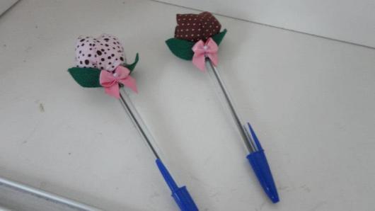 Lembrancinhas de Feltro para professora rosinha de feltro na caneta