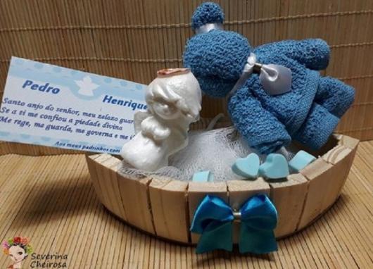 Lembrancinhas para padrinhos de batismo kit sabonete no formato de anjinho com toalhinha