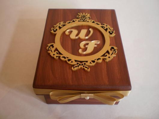 Lembrancinhas para Padrinhos de Casamento rústico caixa de madeira personalizada