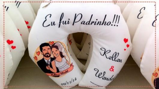 Lembrancinhas para Padrinhos de Casamento almofada de pescoço
