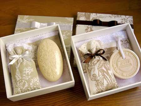 Lembrancinhas para Padrinhos de Casamentocaixa de sabonete artesanal