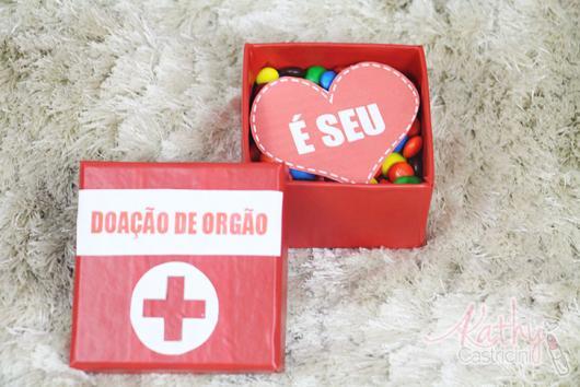 Presentes Criativos para Namorada caixa primeiros socorros com chocolate