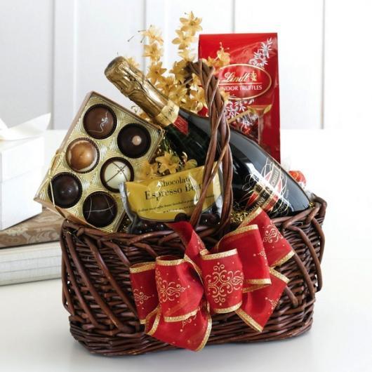 Presentes Criativos para Namorada cesta de vinho e chocolate