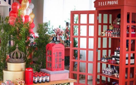 Temas para festa de 15 anos Londres cabine de telefone