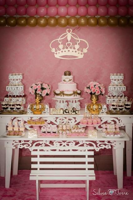 Temas para festa de 15 anos dourada e rosa
