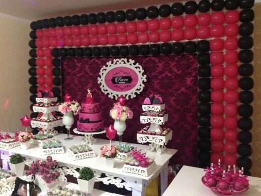 Temas para festa de 15 anos preto e rosa