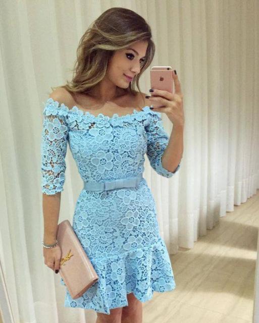 Vestido de Formatura Azul claro curto com renda