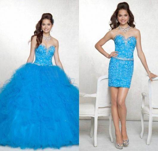 Modelo usa vestido azul claro tomara que caia.