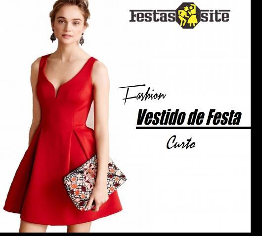 2cef6ec19 Ilustração inicial do post com modelo de vestido curto regata na cor  vermelha.
