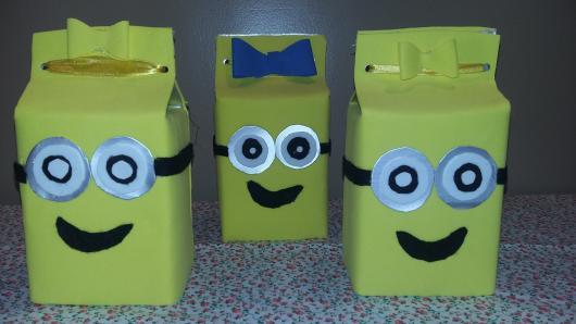 Caixinha para Lembrancinhas feita com caixinha de leite reciclada para festa Minions