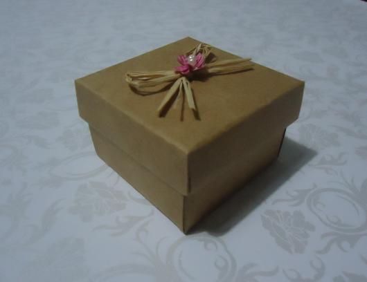 Caixinha para Lembrancinhas modelo de papel kraft com lacinho