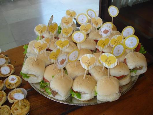 Chá de Panela Simples cardápio mini sanduiches
