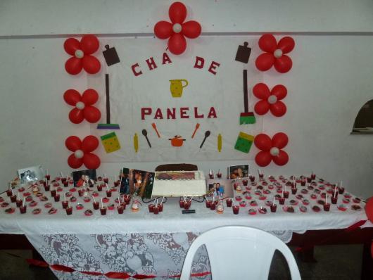 Chá de Panela Simples decorado com balões