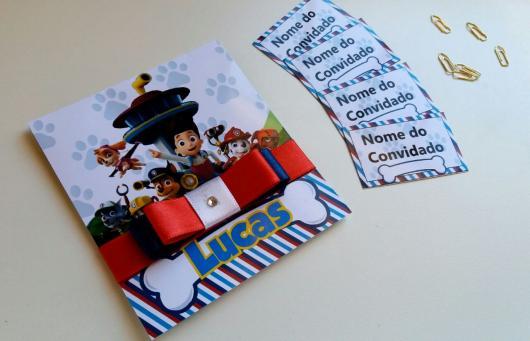 Convites Patrulha Canina scrap com laço de fita vermelho azul e branco