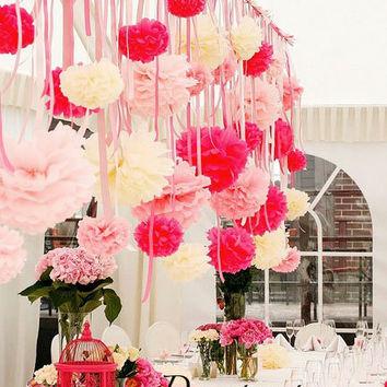 Cortina de Papel Crepom rosa com flores