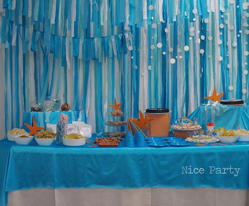 Cortina de Papel Crepom azul para festa fundo do mar