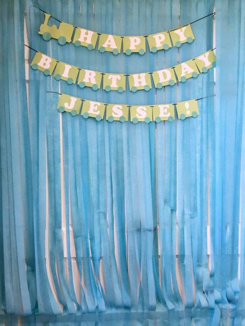 Cortina de Papel Crepom azul para festa de aniversário